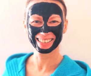 kam nanést slupovací pleťovou masku